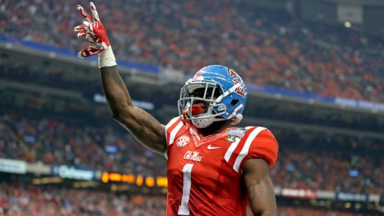 010116-CFB-Laquon-Treadwell-LN-PI.vresize.1200.675.high.14