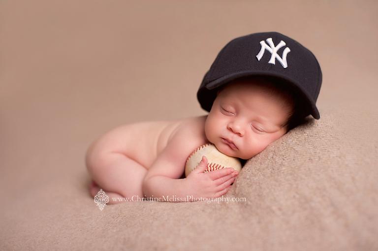 long-island-newborn-photographer_newborn-boy_baby-with-baseball_07(pp_w768_h510)