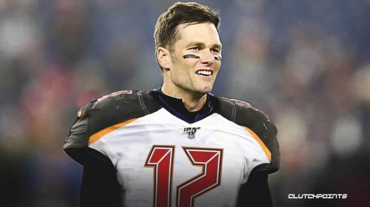 Tom-Brady-signs-with